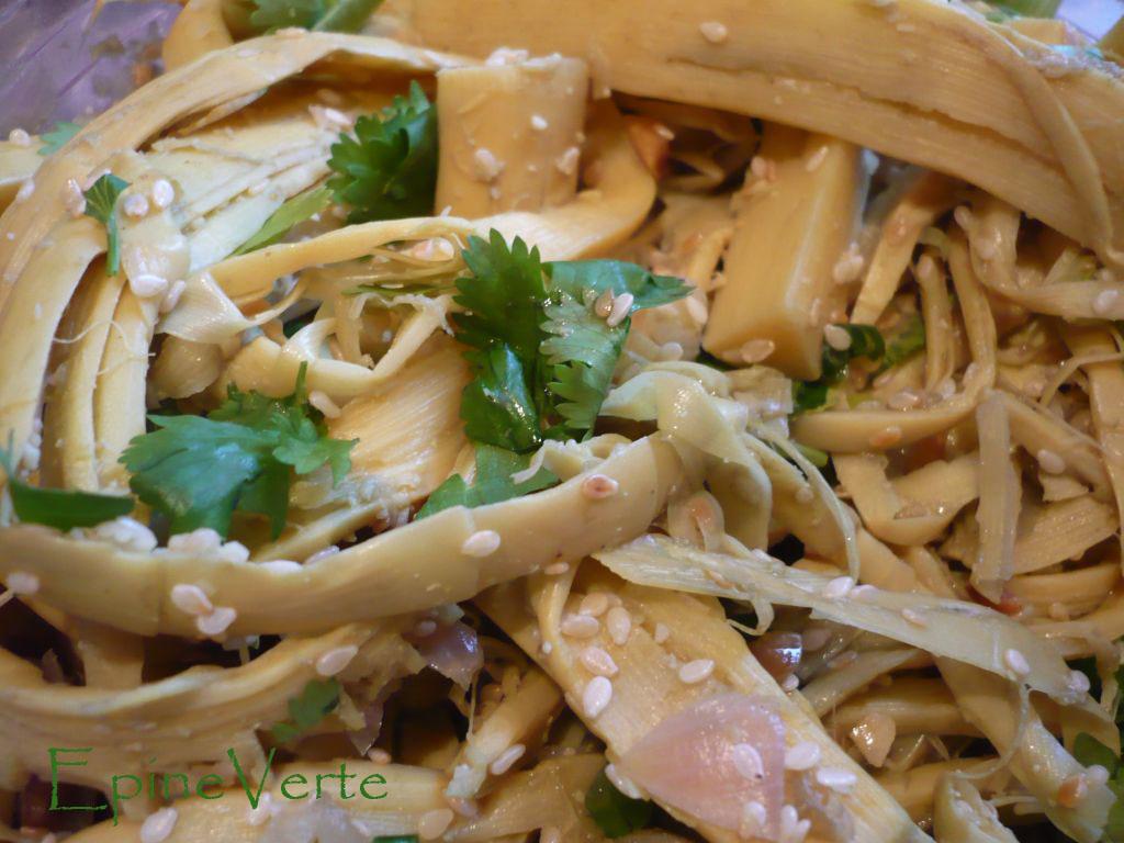 Salade de pousses de bambou (Laos)