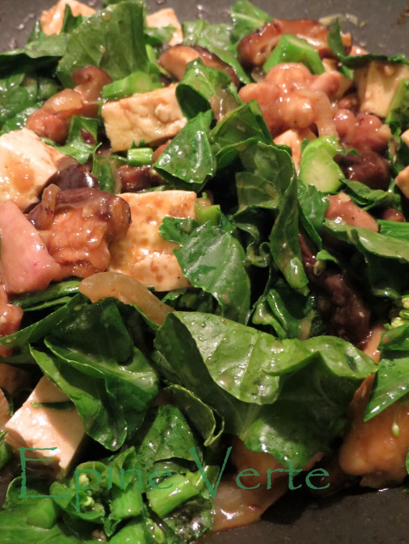 Poêlée au poulet, tofu, shiitakés et brocolis chinois sauce haricots jaunes