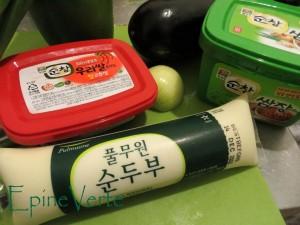 Tofu moelleux coréenpâte de piments et pâte de haricots.