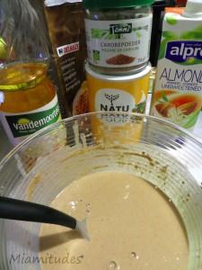 Ingrédients pour les crêpes véganes au caroube