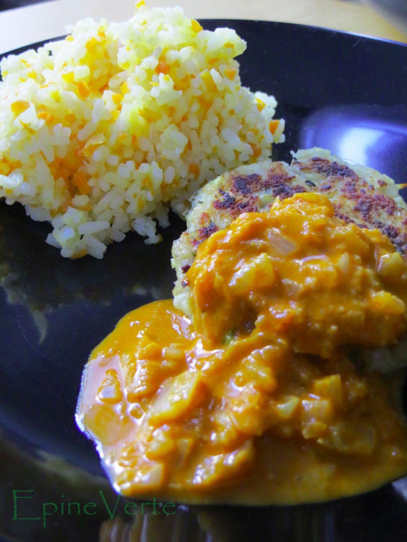 Galettes de poissons à la citronnelle et sa sauce curry et lait de coco.